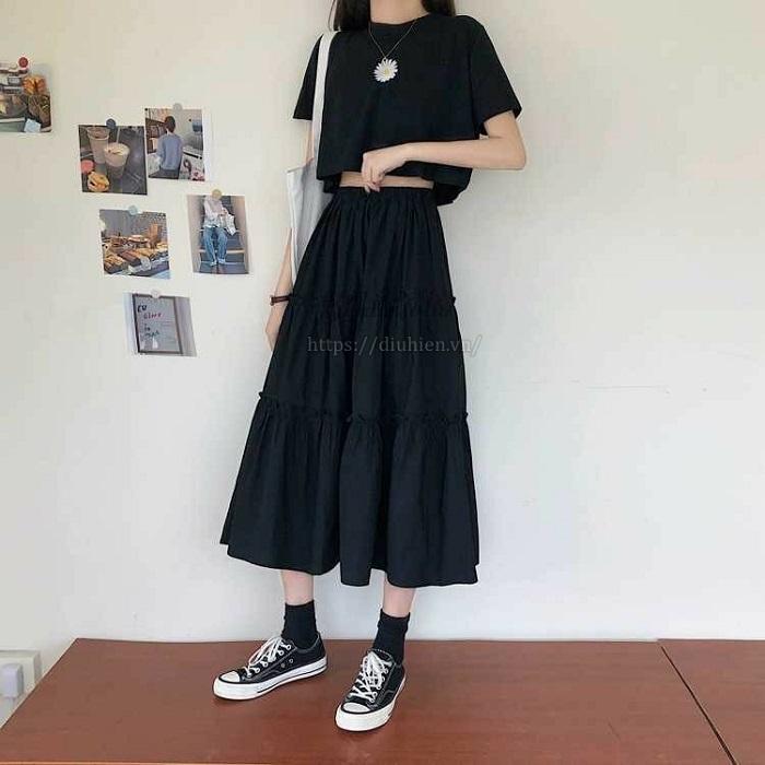Chân váy chữ a màu nâu mặc với áo gì?