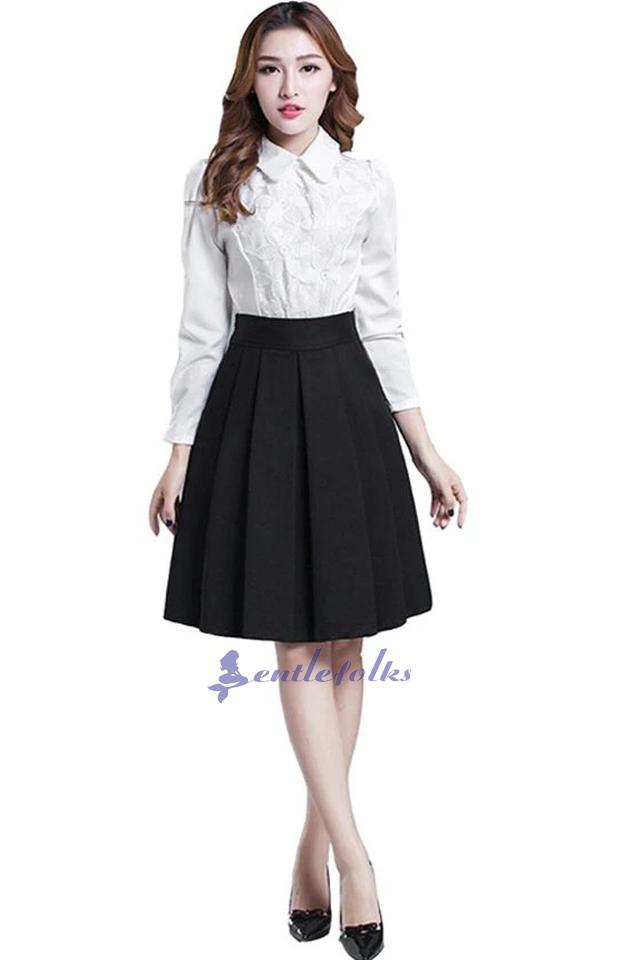 Chân váy xòe đen kết hợp với áo sơ mi, thích hợp với các nàng công sở