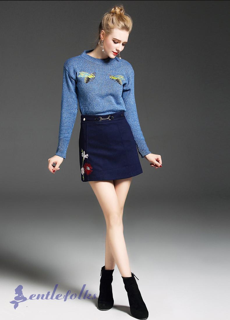 Áo len là một trong những kiểu áo kết hợp với chân váy công sở